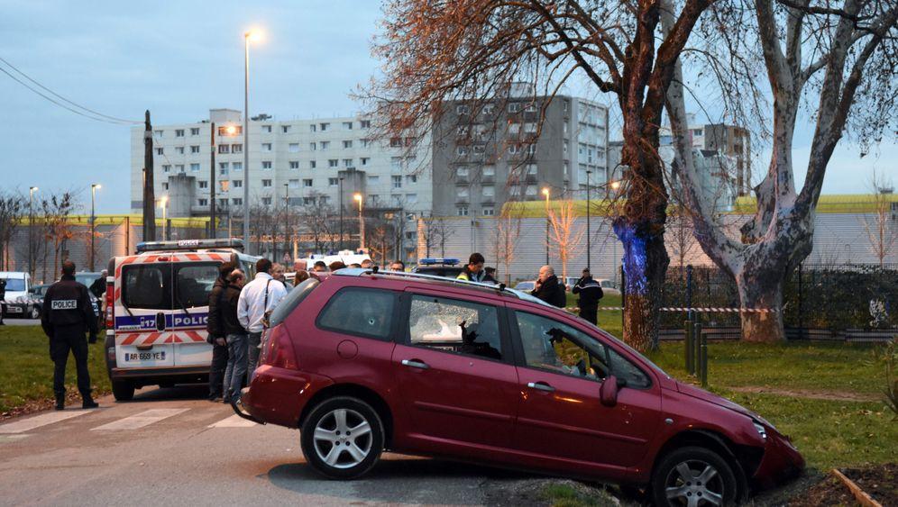 Vor Moschee: Angriff auf Soldaten in Valence