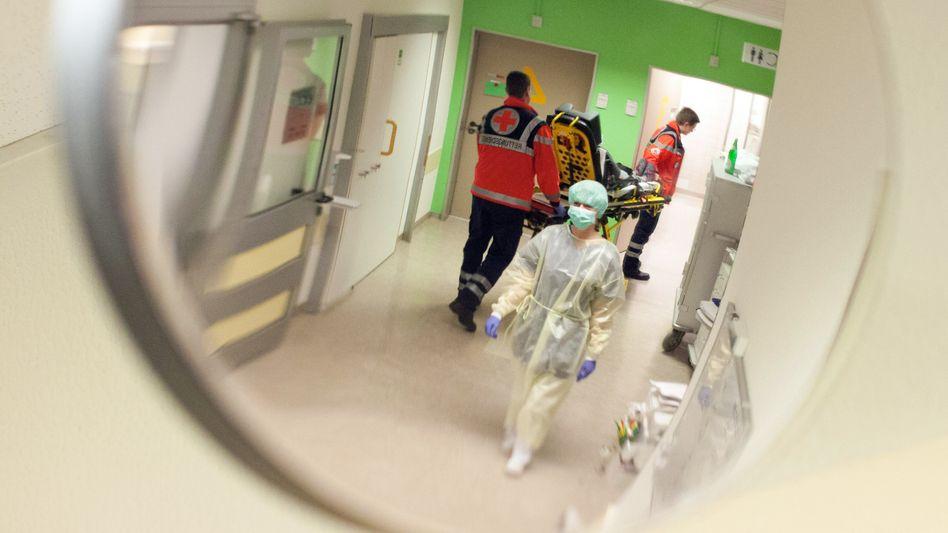 Klinikpersonal in Deutschland (Symbolbild): Rettungsdienste sehen sich gut gerüstet