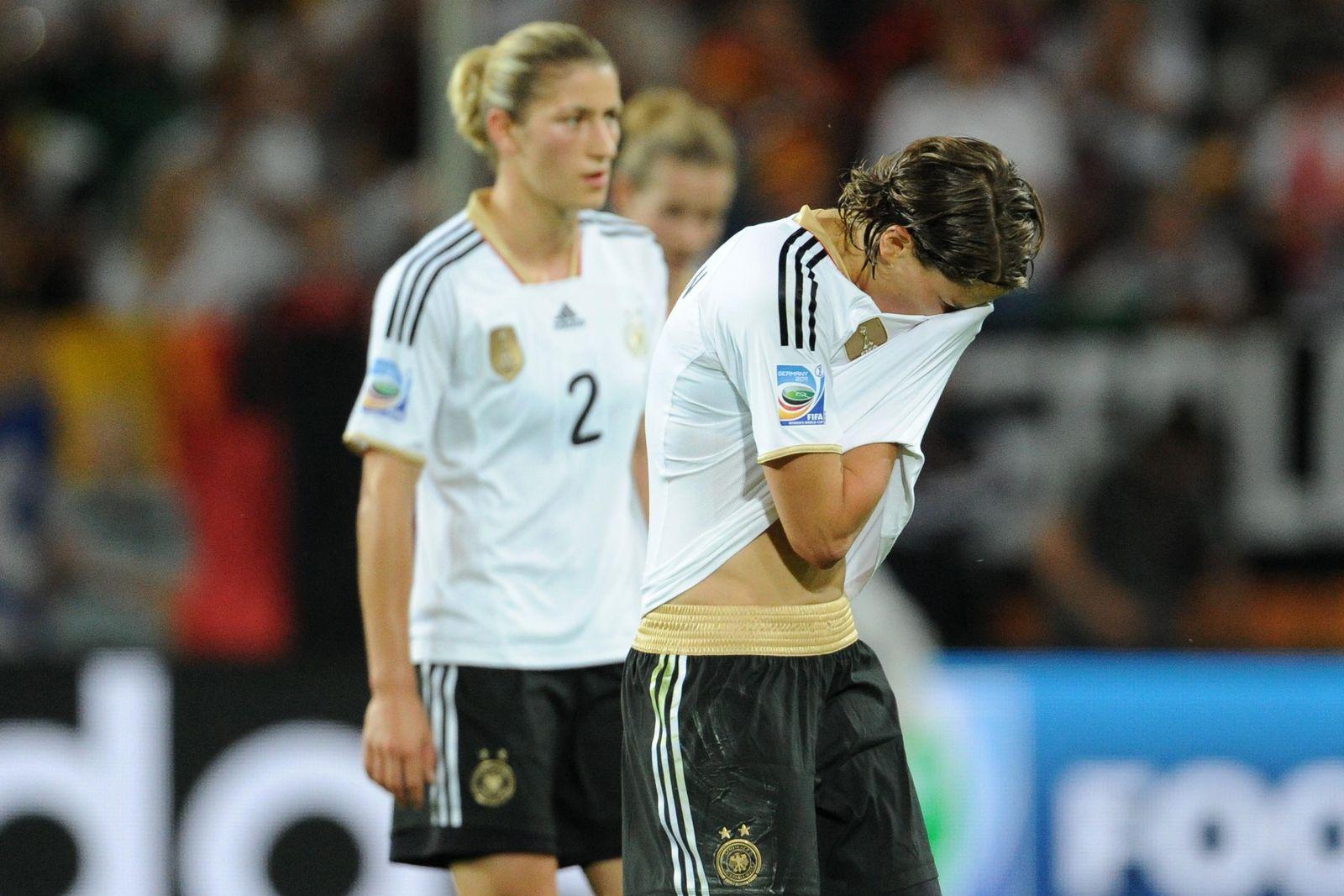 NICHT VERWENDEN Deutschland weint