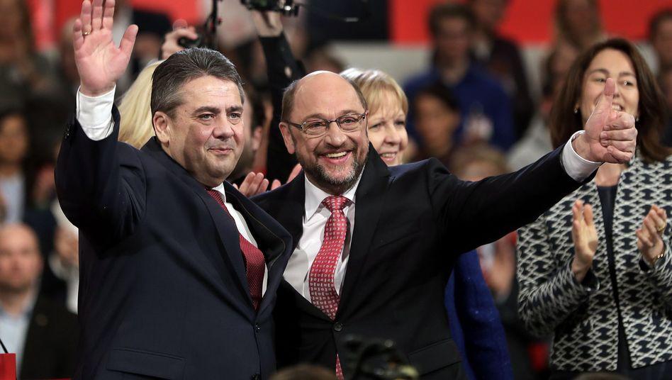 Sigmar Gabriel (links) und sein Nachfolger Martin Schulz