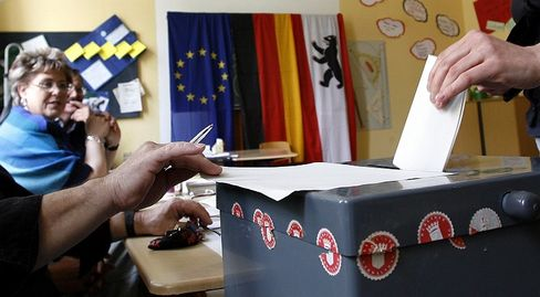 A campaign to allow students to choose between religion and ethics courses failed at the polls in Berlin Sunday.