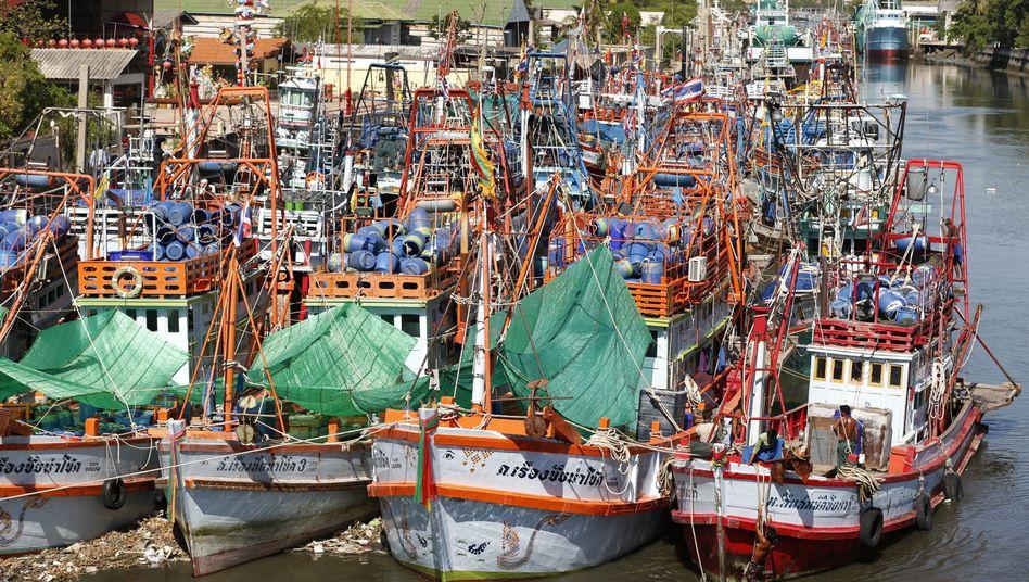 Fischerboote in einem thailändischen Hafen: Die EU ist auch in Asien mächtig
