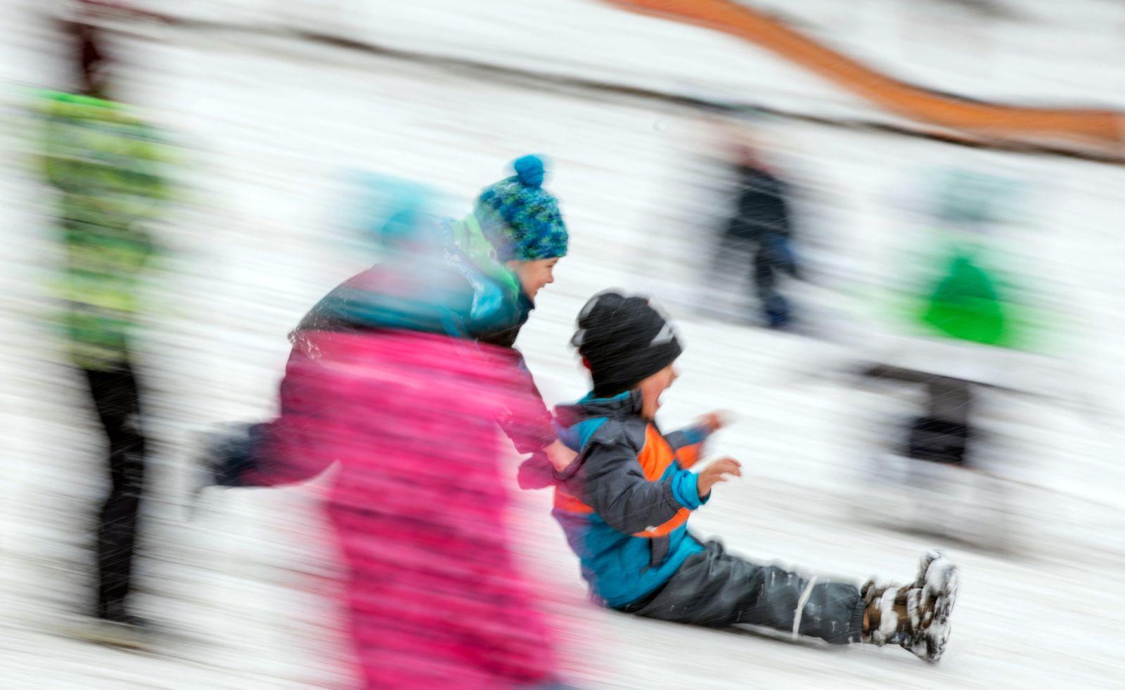Kinder / Schnee