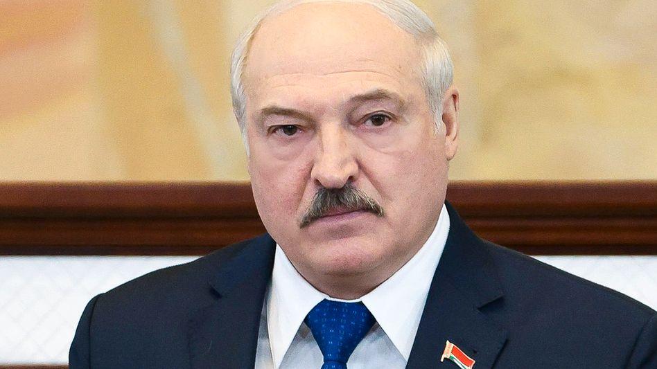 Der belarussische Machthaber Alexander Lukaschenko reagiert mit Gegenmaßnahmen auf EU-Sanktionen