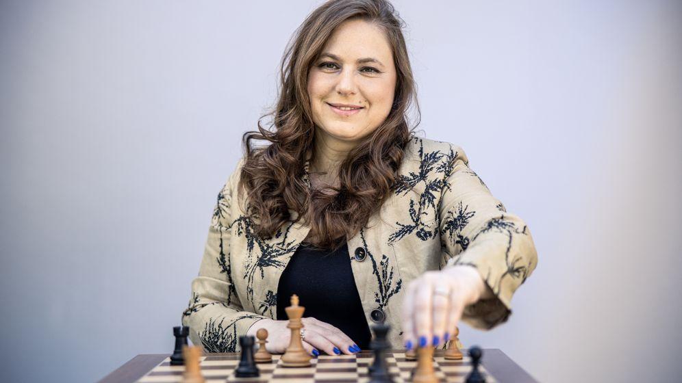 Großmeisterin Judit Polgár in Budapest