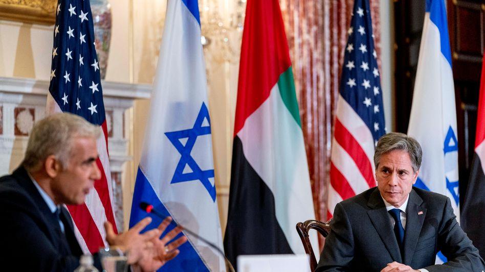 Israels Außenminister Jair Lapid mit seinem US-Amtskollegen Antony Blinken bei ihrem Treffen in Washington