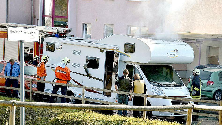 Ausgebranntes Wohnmobil in Eisenach: Wurden aus dem Fahrzeug Polizisten beschossen?