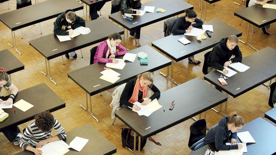 Soll künftig einheitlicher werden: die Abiturprüfung