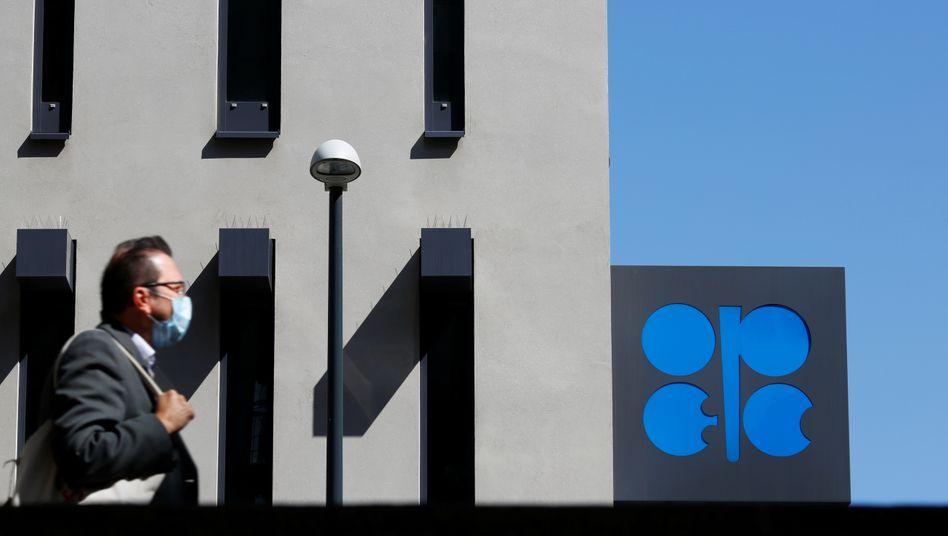 OPEC+ einigen sich vorläufig auf Förderkürzungen