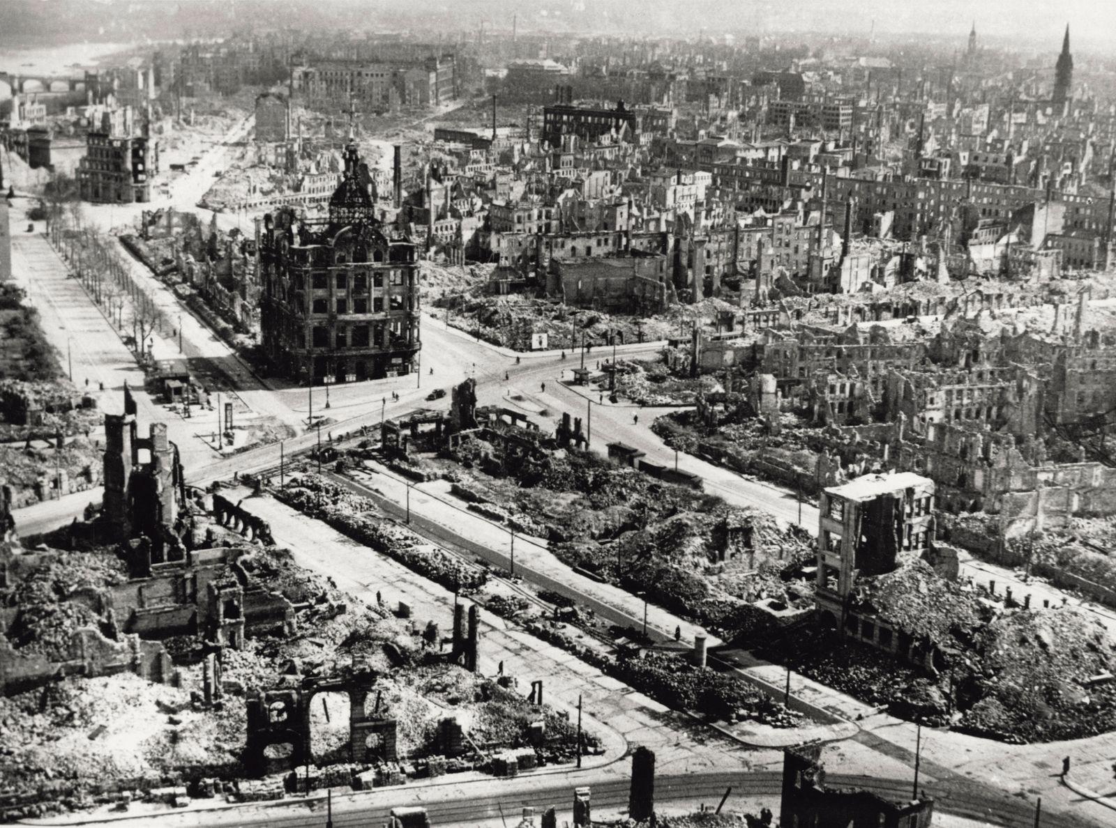 Bombardierung Dresden - Dresden Centre Devastated By Bombing