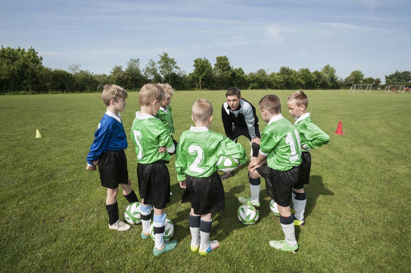 NICHT MEHR VERWENDEN! - Symbolbild Fussball/ Kinder/ Jugend/ Kreis