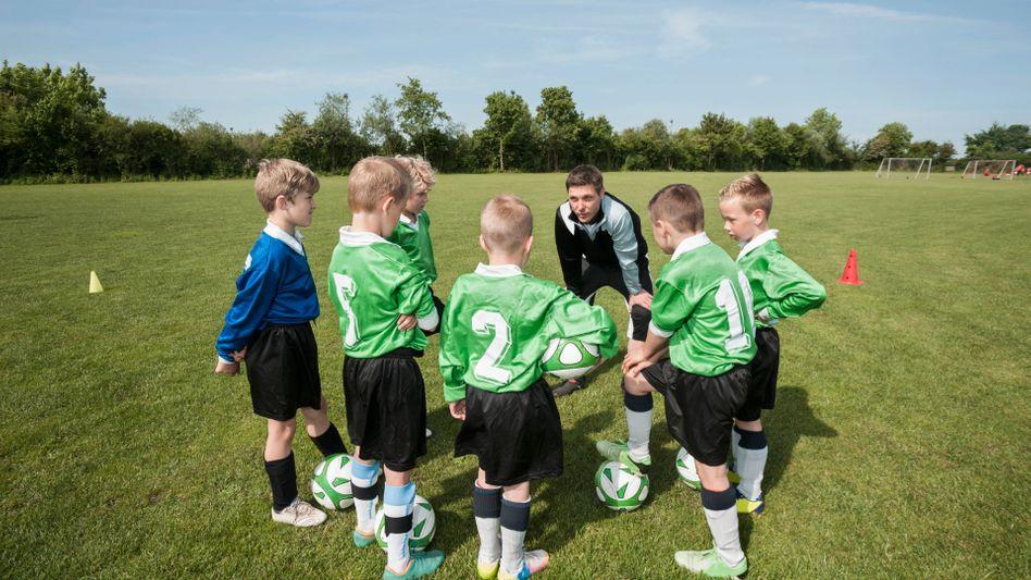 Kleine Fußballer beim Training