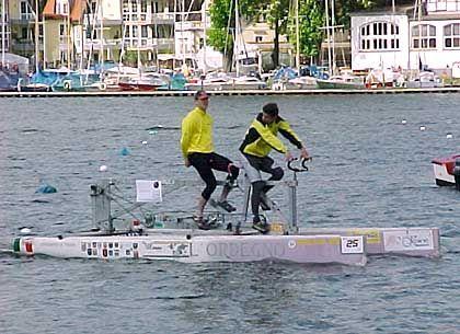 Hightech-Tretboot: 20 Stundenkilometer Spitze