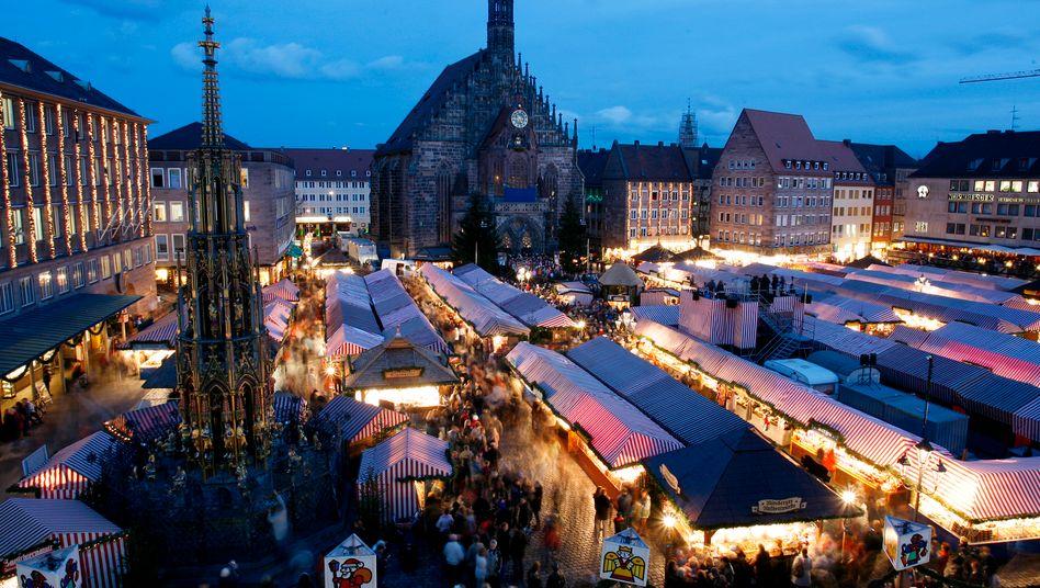 Der Christkindlesmarkt in Nürnberg ist einer der größten Weihnachtsmärkte in Deutschland