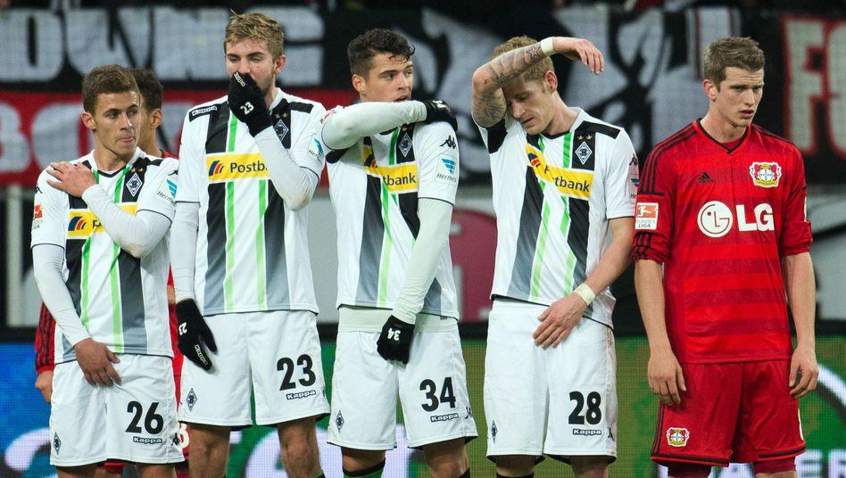 Profis von Mönchengladbach, Bayers Bender (r.): Viele Punkte liegengelassen