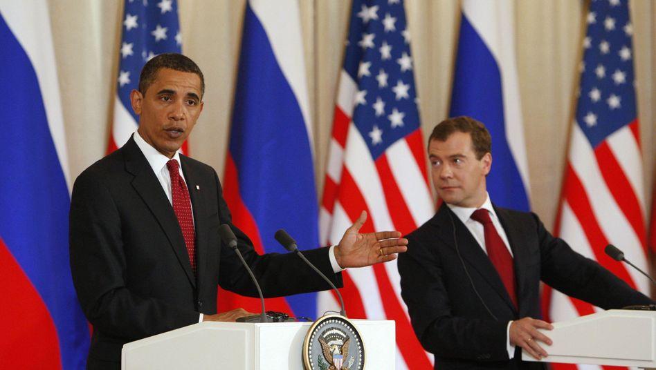 Barack Obama mit dem russischen Präsidenten Dimitrij Medwedew (im Juli 2009): Entspannung in der Raketenfrage