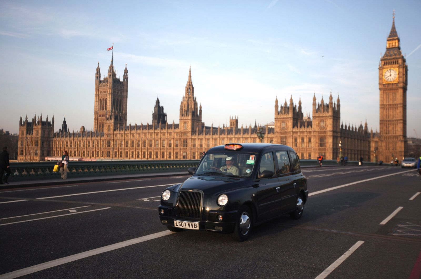 Black Cab / Taxi / Westminster Abbey