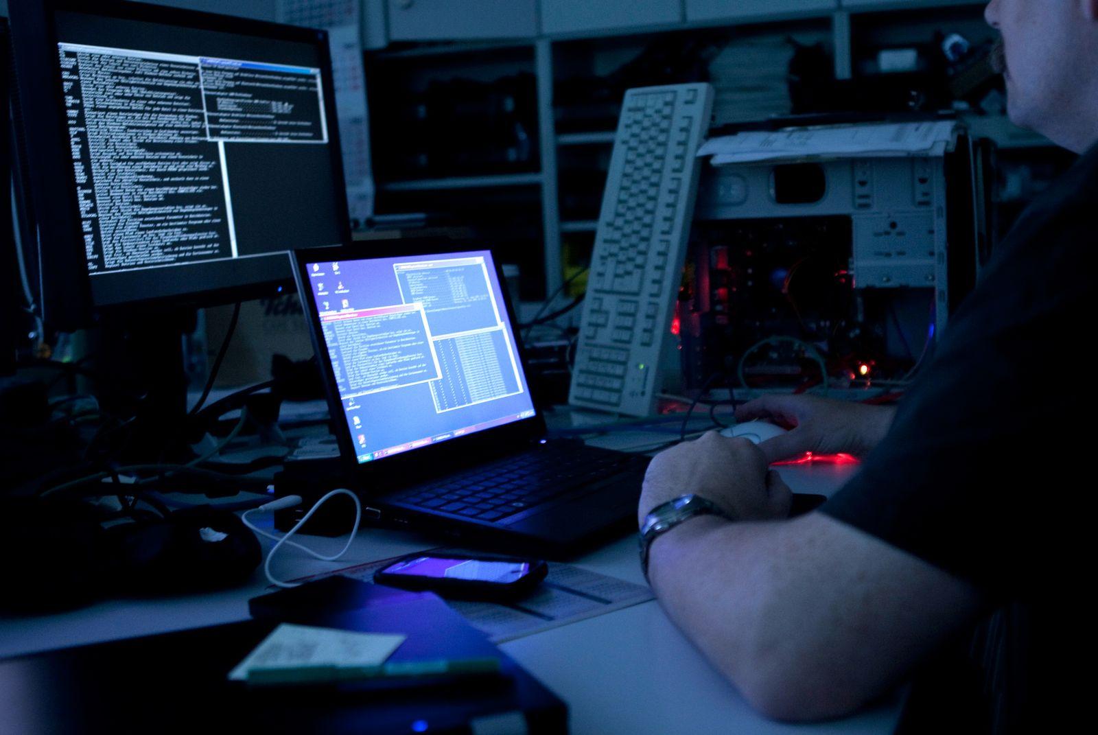 Symbolbild Cyberkrieg / Cyberwar / Cyber-Kriminalität