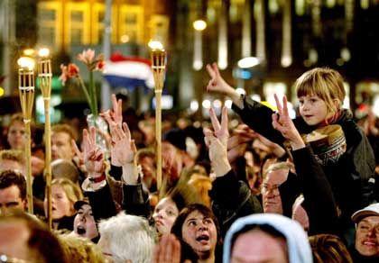 Eine Nation unter Schock: Spontane Demo gegen Gewalt