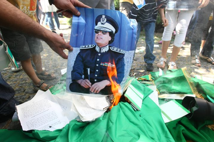 A Gadhafi posted in 2011: The end of a dictator