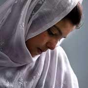 """Zwangsverheiratete 14-jährige Afghanin: """"Sobald das Mädchen verheiratet ist, werden ihm meistens Pass, Handy und sämtliches Bargeld abgenommen"""""""