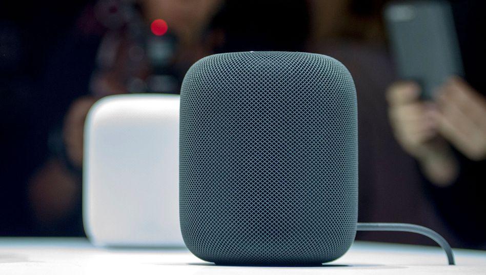 Der Apple HomePod wurde 2017 auf einer Messe präsentiert (Archivbild)