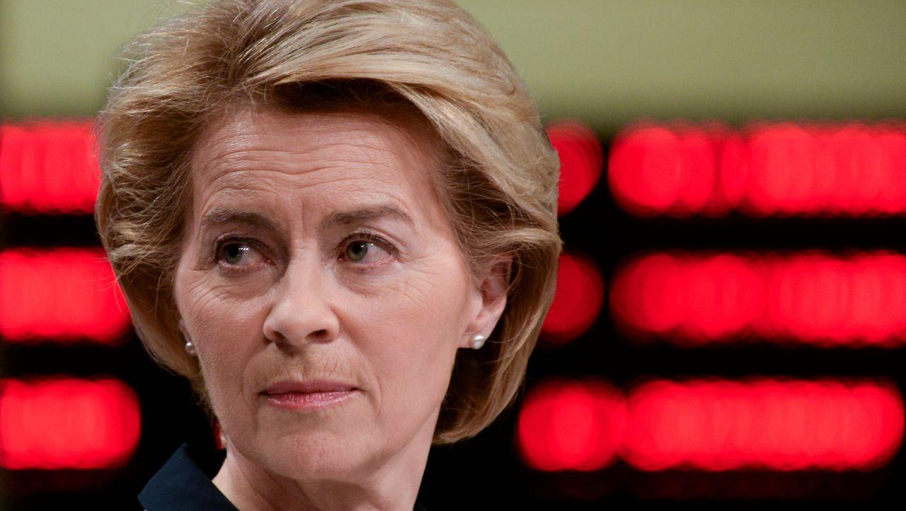Ursula von der Leyen: Justiz prüft SMS-Löschung auf Diensthandys - DER SPIEGEL - Politik