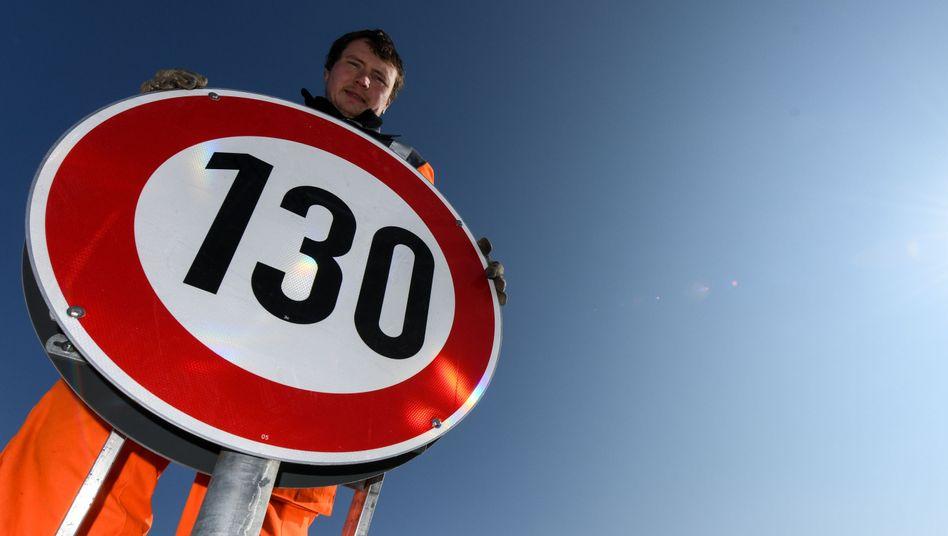 Autobahnschild für Tempo 130 (Archivfoto)