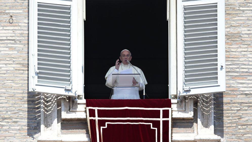 Reformer Franziskus: Neues Personal, große Vorbilder