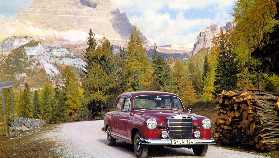 Mercedes Benz 180: Aufgrund der neuartigen Karosserie ist die Baureihe als Ponton-Mercedes bekannt - gebaut wurden die Typen 180, 190 und 220. Von 1953 bis zum Produktionsende 1962 liefen mehr als 550.000 Einheiten vom Band