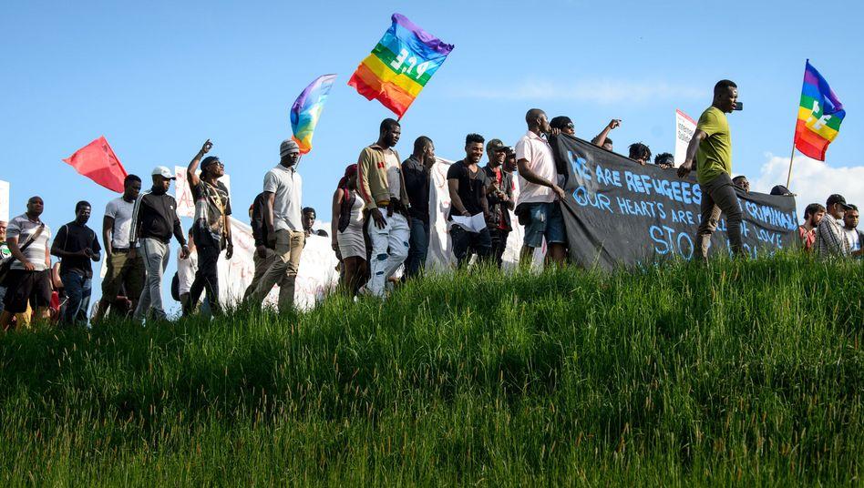 Demonstrierende Flüchtlinge in Ellwangen