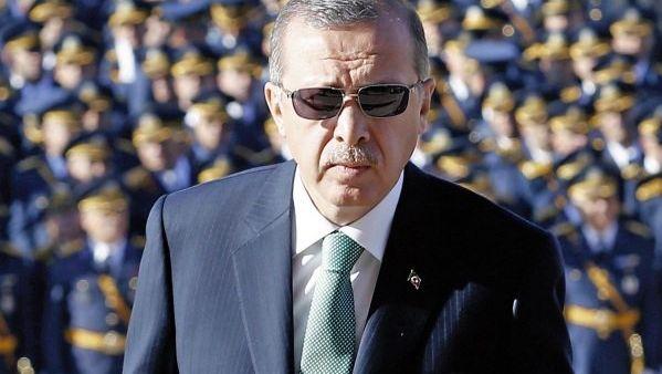 Siyasetçi ErdoğanPolitiker Erdoğan