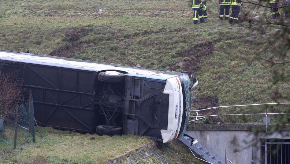 Unglücksort in Berka vor dem Hainich: Spiegelglatte Fahrbahn