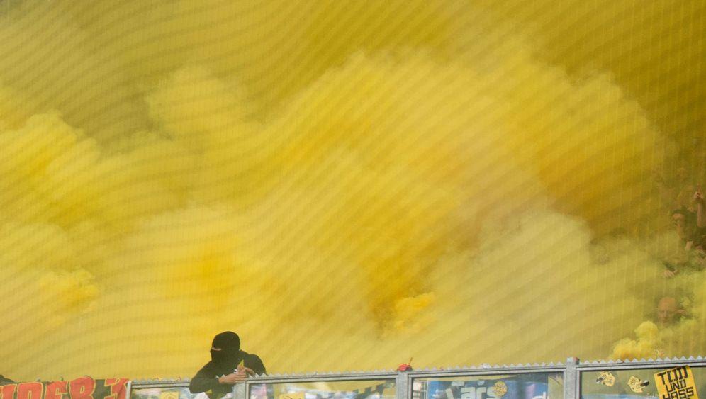 Schalke vs. Dortmund: Randale auf Schalke