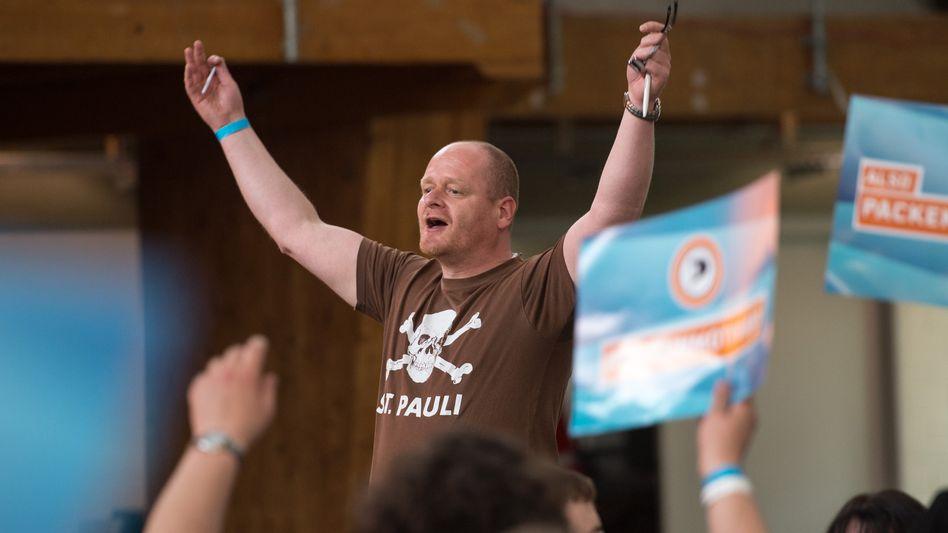 Piraten-Chef Schlömer: Grund zur Freude auf dem Parteitag in Neumarkt