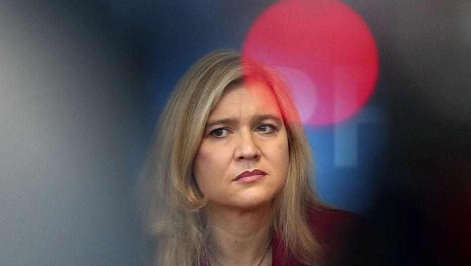 Staatsministerin Melanie Huml bei der Pressekonferenz zum ersten Coronavirus-Fall in Deutschland