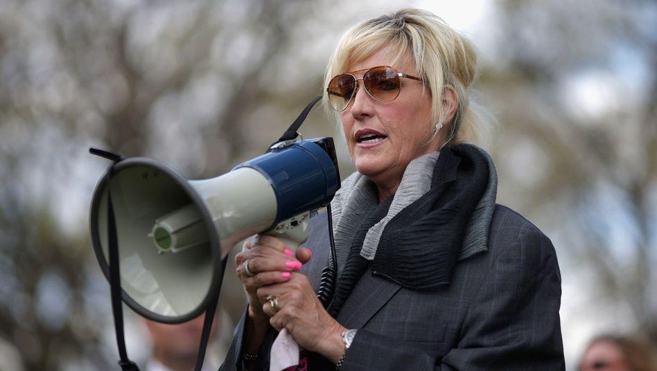 """Verbraucheraktivistin Erin Brockovich: """"Wir suchen den Dialog mit Bayer"""""""