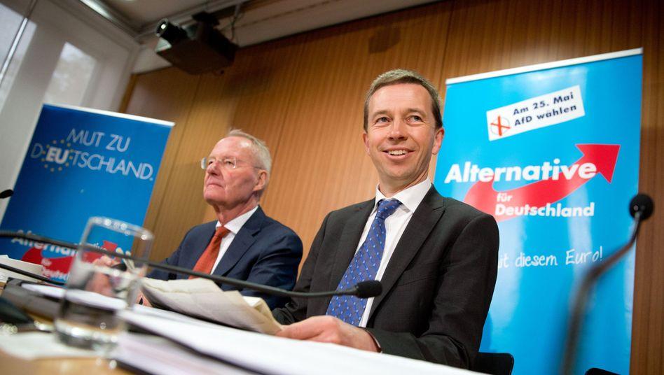 AfD-Politiker Henkel und Lucke (Archiv): Probleme mit der Pegida-Sympathie in der eigenen Partei