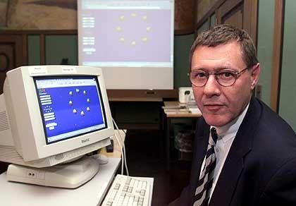Stein des Anstoßes: Eine Sperrungsverordnung des Regierungspräsidenten Jürgen Büssow