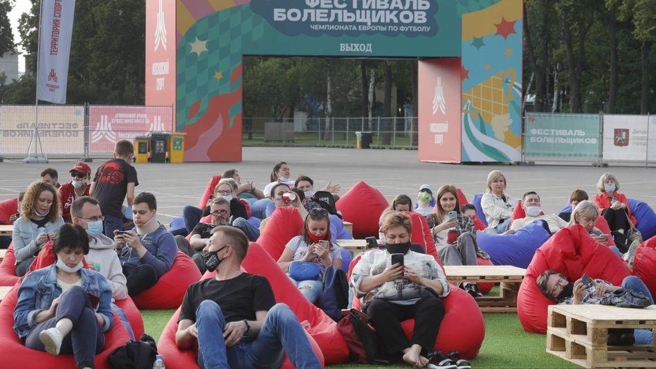 Fußball-EM-Fans in Moskau (am 12. Juni)