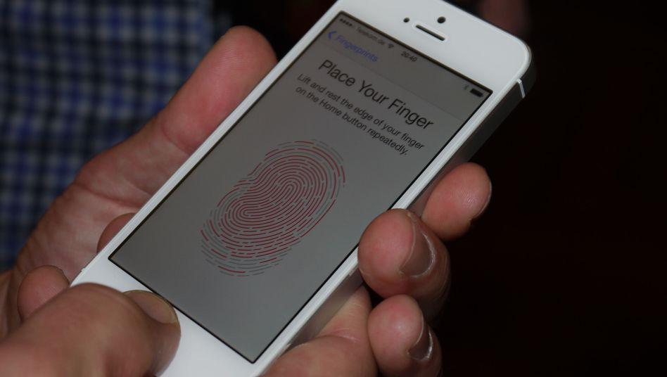 Fingerabdruck-Scanner: iPhone TouchID schon gehackt