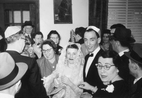 Marthe und Major L. Cohn 1958 bei der Hochzeit in New York