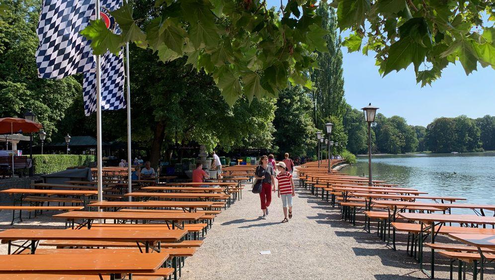 Biergartenwanderung durch München: Von der Mass zur Haxn zum Hendl