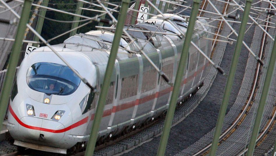 ICE der Deutschen Bahn: Zunächst soll es Warnstreiks geben