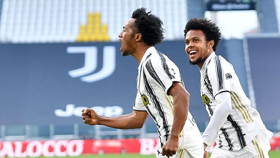 Juan Cuadrado (links) traf gegen den kommenden Meister Inter doppelt
