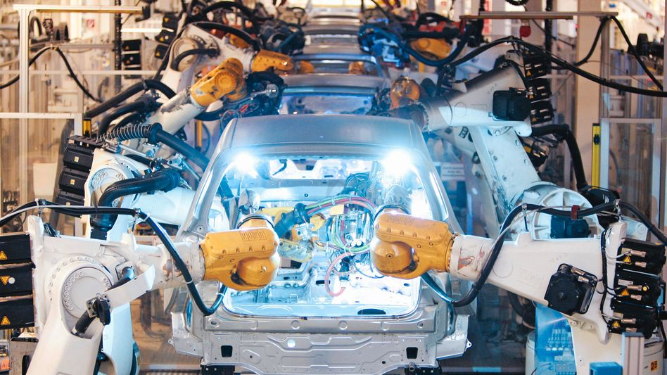 Auto-Produktion in Wolfsburg: Sorge um das vierte Quartal