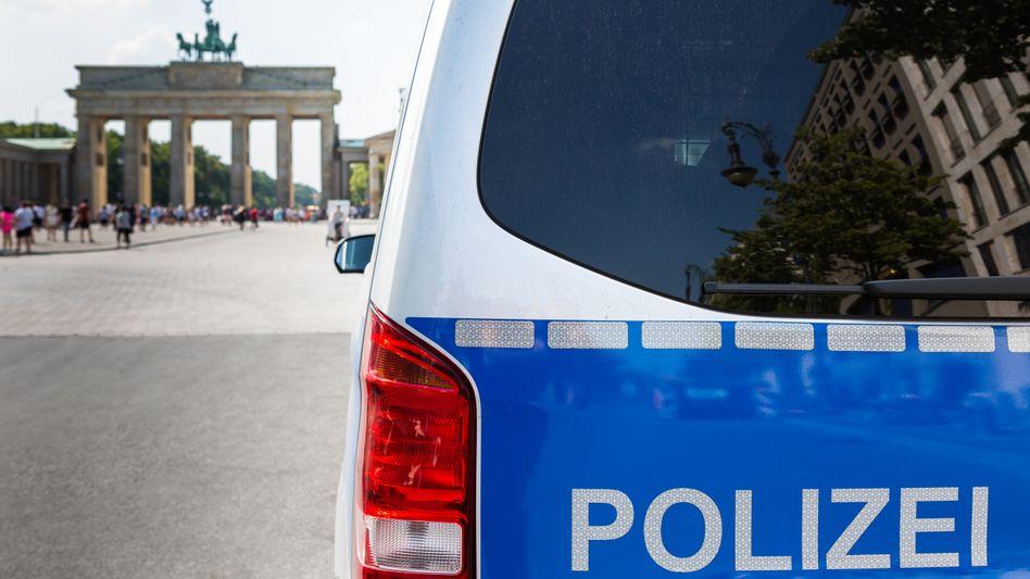 Polizeiwagen vor dem Brandenburger Tor