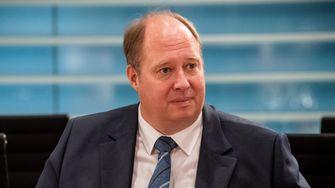 So verlor Kanzleramtschef Helge Braun die Kontrolle über die Krise
