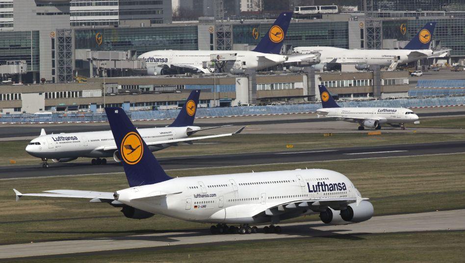 Flughafen Frankfurt am Main: Lufthansa muss sparen