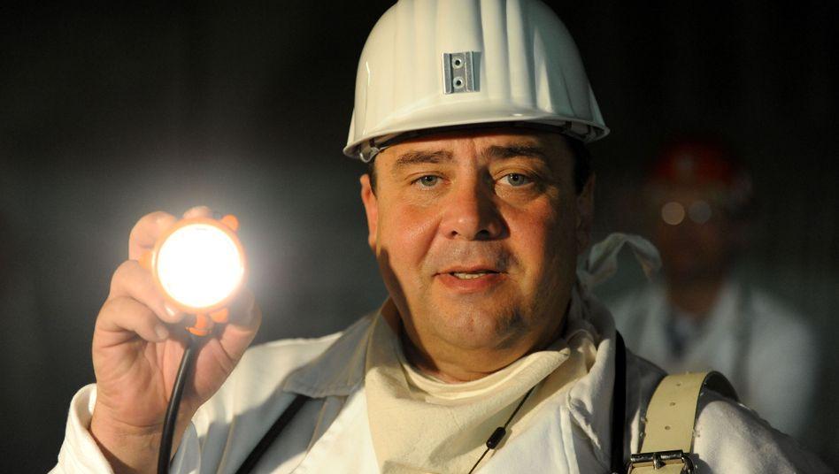 Sigmar Gabriel (im Atommülllager Asse): Etwas verstrahlt, aber sympathisch